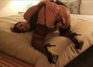 Lisa Ann like mom-pornstar